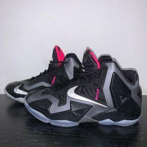 Nike Lebron XI Miami Nights Size 7Y = 8.5Wmns